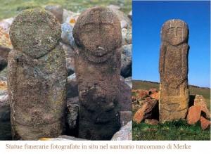 Statue funerarie fotografate in situ nel santuario turcomano di Merke
