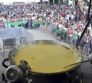 BRASILE:PAIOLO PIU' GRANDE DEL MONDO A FESTA DELLA POLENTA
