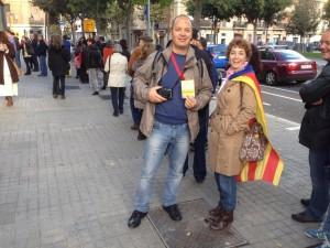 Fila de catalani al voto