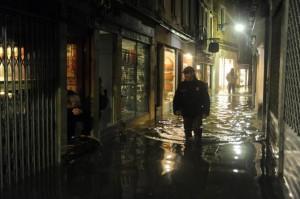 Venezia, 23/12/2009. Alta marea a 1,40 cm sul livello del mare stanotte alle ore 4.00. il 50% della città sommersa.