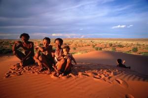 Na-fameja-de-San-del-Kalahari