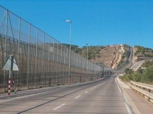 Il muro tra Melilla ed il Marocco
